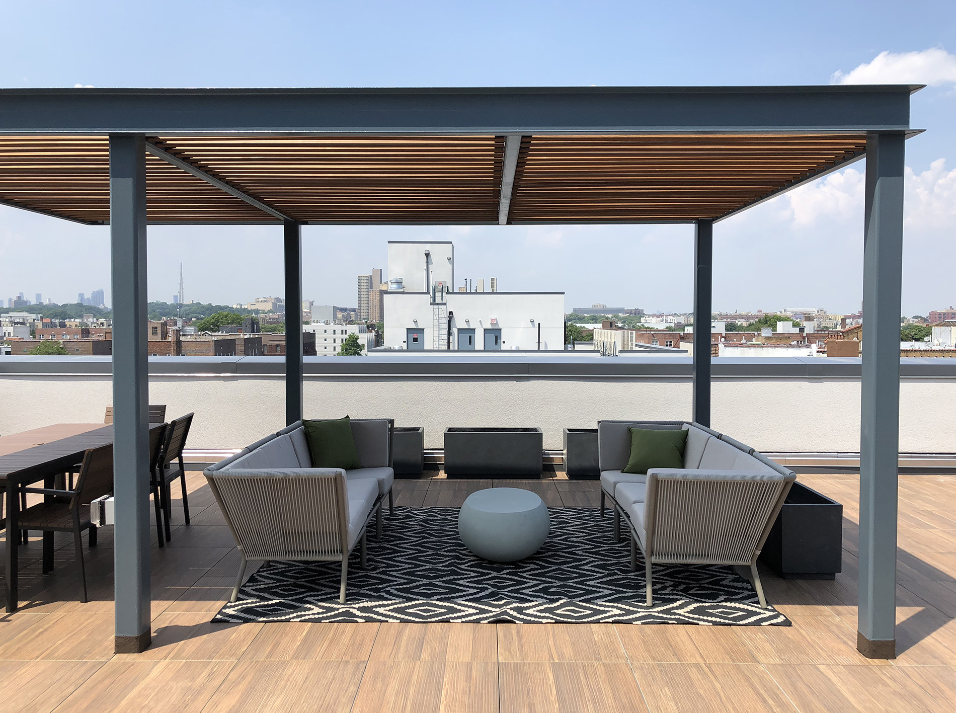 Roof Deck with Modern Seating